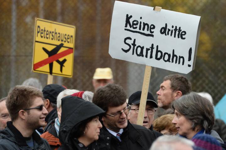 Kundgebung gegen den Bau einer dritten Startbahnam Münchner Flughafen. (Archiv)