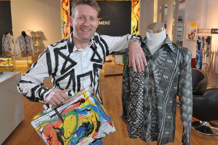 Seine Designs kommen an: Der Chemnitzer René König entwirft exklusive Hemden und Shirts.