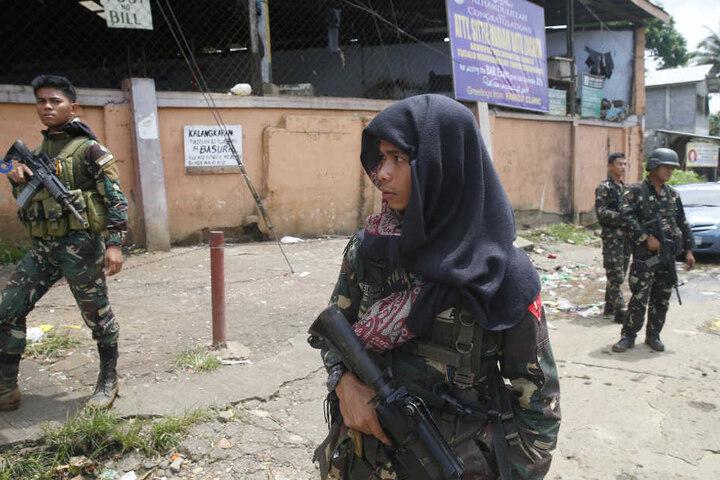 Bei schweren Kämpfen wurden mindestens 46 Menschen getötet.