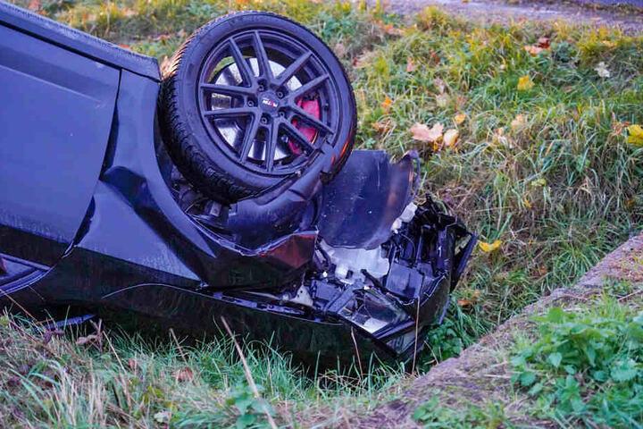 Der Wagen wurden stark demoliert.