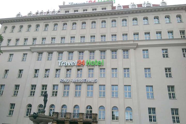 Ein Schriftzug an der Fassade erinnert an das alte Ring-Messehaus.