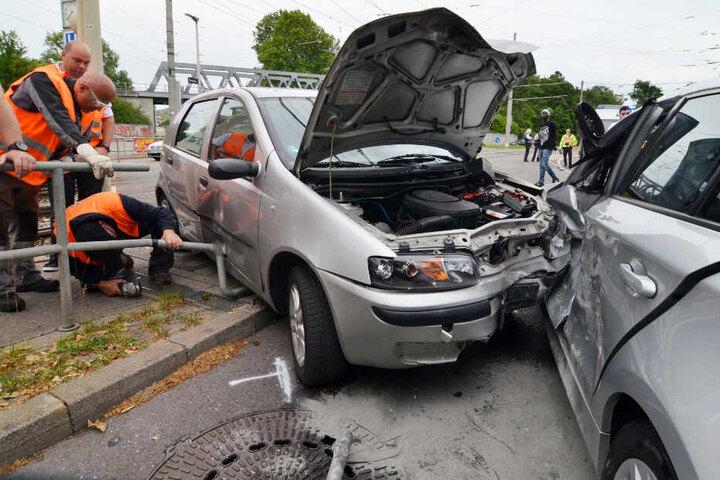 Der 19-jährige Unfallverursacher war in seinem Fiat Punto vermutlich zu schnell unterwegs.