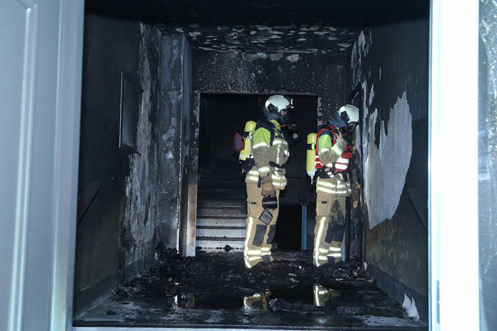 Ruß und Rauch verteilten sich im gesamten Gebäude.