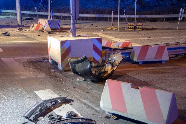 Die Kreuzung gleich nach dem Unfall einem Trümmerfeld.