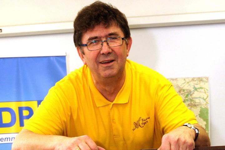 Wolfgang Meyer (68, FDP) findet, dass es wichtigere Probleme in der Stadt  gibt.