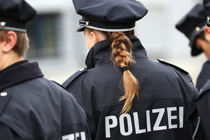 Die Polizei hofft nun durch Zeugen die Täter zu finden. (Symbolbild)