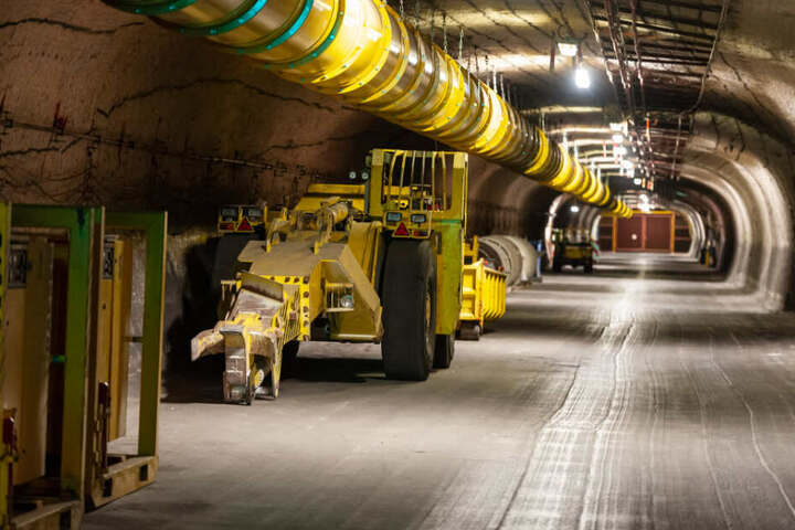 In den kommenden 20 Jahren wollen die Schweizer ihre Reaktorblöcke abschalten. Dann müssen die radioaktiven Brennstäbe gelagert werden. (Symbolbild)