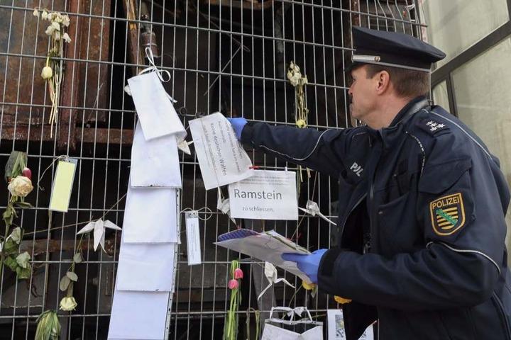 Zuvor hatte die Polizei Spuren am Monument gesichert.