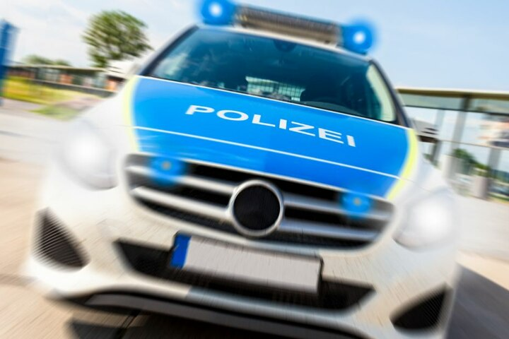 Die Polizei sucht Zeugen der Auseinandersetzung und des anschließenden Unfalls. (Symbolbild)