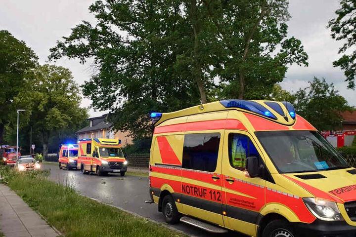 DIe Rettungskräfte waren mit einem Großaufgebot im Einsatz.