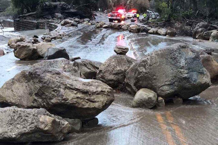 Fortgesetzte starke Regenfälle überschwemmten Teile Süd-Kaliforniens und destabilisieren die Hänge.