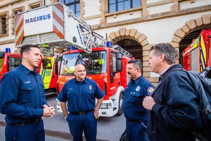 Sind über den Großen Teich nach Chemnitz gekommen: die US-Feuerwehrmänner Tyler Hagie (v.l.), Flavio Diaz, John Jackson und Patrick D'Arcy.