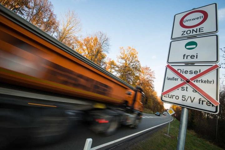 Die Autofahrer wollen weiterhin mit ihren Dieselfahrzeugen fahren. (Symbolbild)