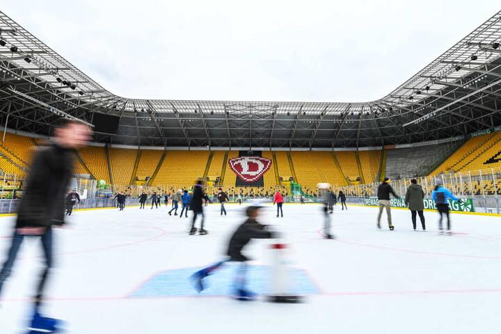 Statt Kicker sind bis Samstag Eisläufer im Rudolf-Harbig-Stadion flott unterwegs.