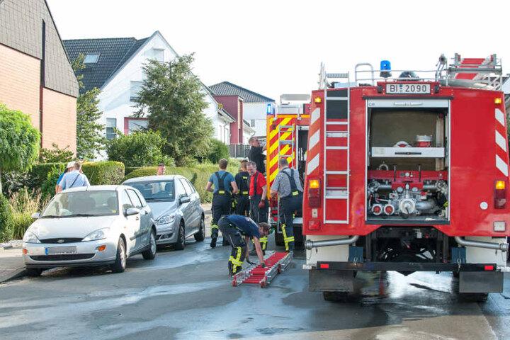 Mit mehreren Einsatzfahrzeugen war die Feuerwehr vor Ort.