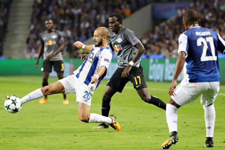 So richtig in der Bundesliga angekommen ist Bruma (Mitte) nicht. Eine Rückkehr in die Türkei kommt für ihn offenbar aber nicht infrage.