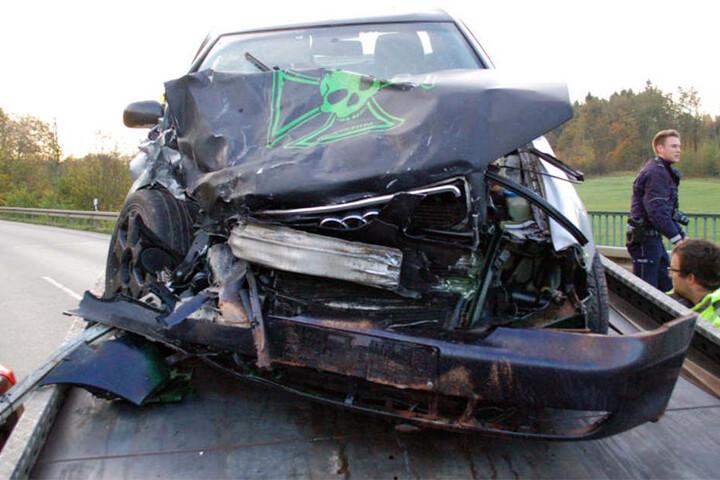 Aus bisher ungeklärter Ursache kam der Audi-Fahrer gegen die Leitplanke.