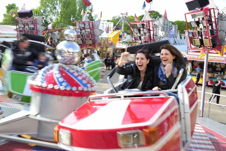 Rummelspaß im Fahrgeschäft: Beim jüngsten Frühlingsfest tummelten sich rund 100.000 Besucher.