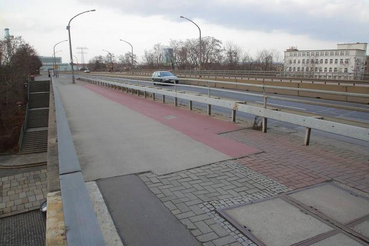 Stadträte wollen jetzt eine möglichst schnelle Sanierung der Nossener Brücke erzwingen.