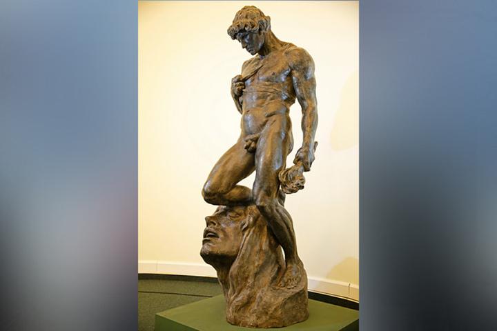 Dieser nackte Prometheus im Stadtmuseum verhinderte fast eine Hochzeit.