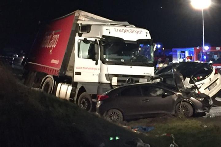 Die Ermittlungen zum genauen Unfallhergang dauern noch an.