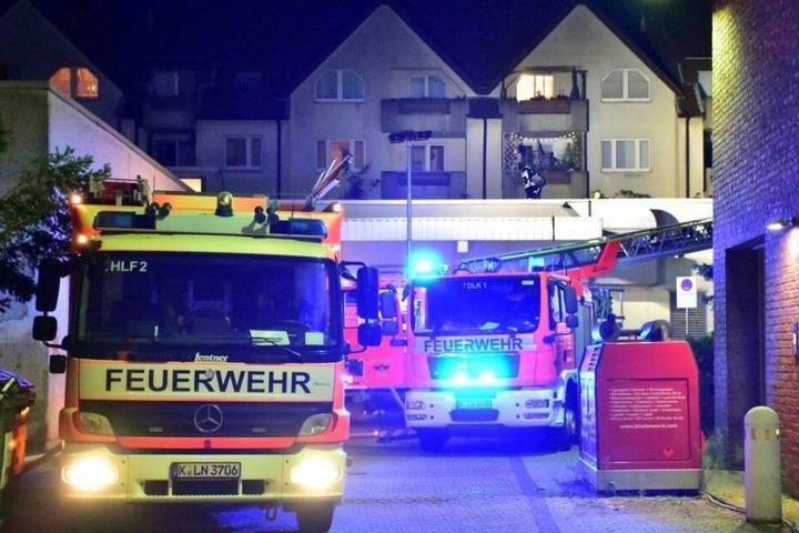 Das Feuer in Köln-Porz wurde erfolgreich gelöscht, Bewohner gerettet.