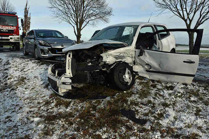 Der VW wurde erheblich beschädigt.