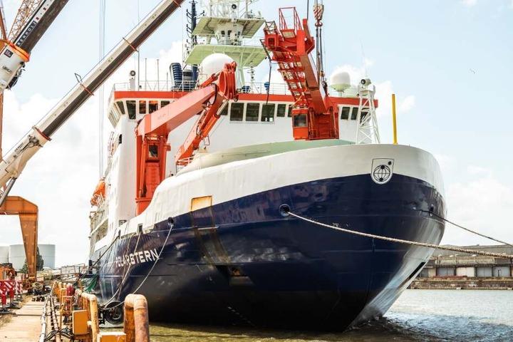 Auf dem Schiff Polarstern bereiten sich die Forscher auf ihre Reise in die Arktis vor.