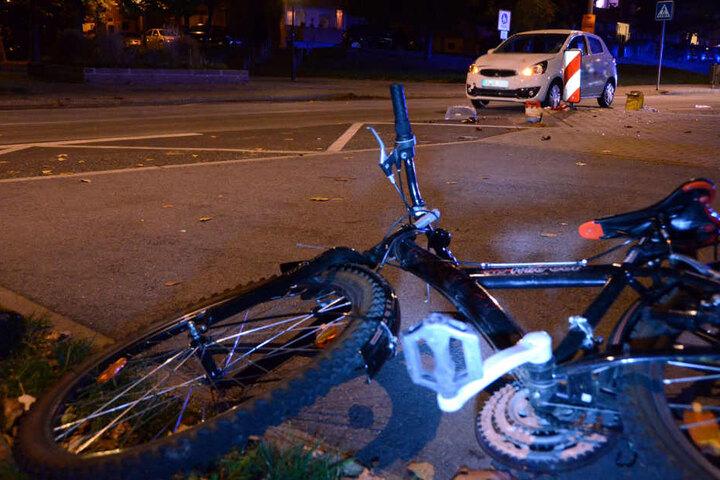 Die Radfahrerin erlitt bei dem Zusammenstoß schwere Verletzungen.