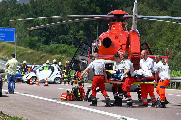 Im August 2016 retteten die Ärzte eine schwer verletzte Braut auf der Autobahn.