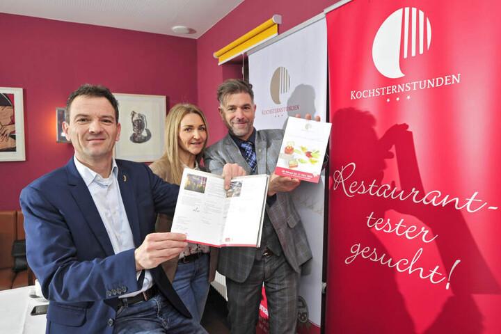 """Gernot Roßner (47, """"Heck-Art"""",v.l.), Katrin Kastell (53, """"Chemnitz Spezial"""") und Kochsternstunden-Erfinder Clemens Lutz (48) wollen beweisen, dass Chemnitz Dresden und Leipzig kulinarisch in nichts nachsteht."""