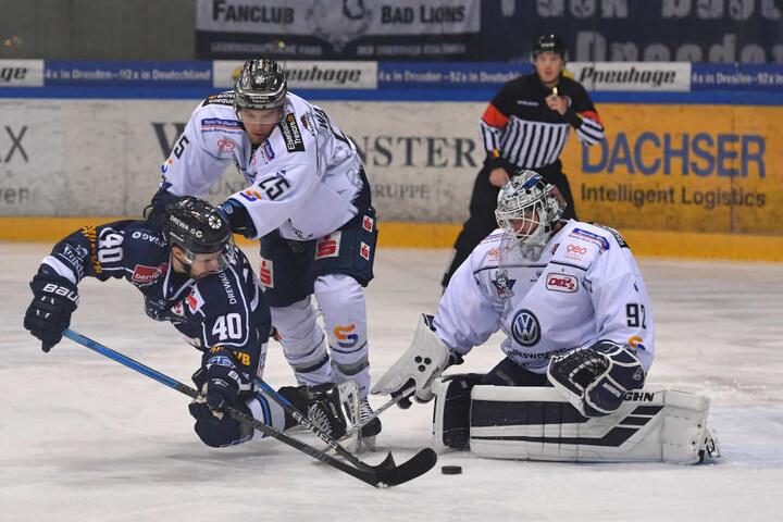 Die Eislöwen am Boden: Gegen die Kassel Huskies gab es den nächsten Genickschlag.