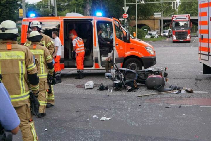 Der Motorradfahrer kam schwerverletzt ins Krankenhaus.