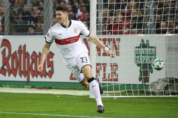 Der VfB Stuttgart (im Bild Stürmer Mario Gomez) kommt im Mai für ein Benefizspiel nach Zwickau.