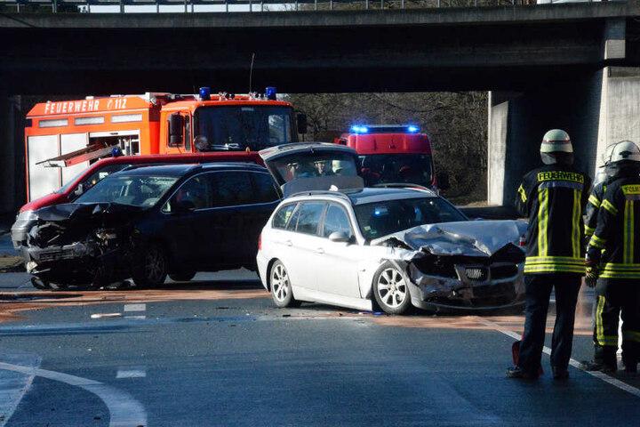 Ein Volvo wurde ebenfalls beschädigt.