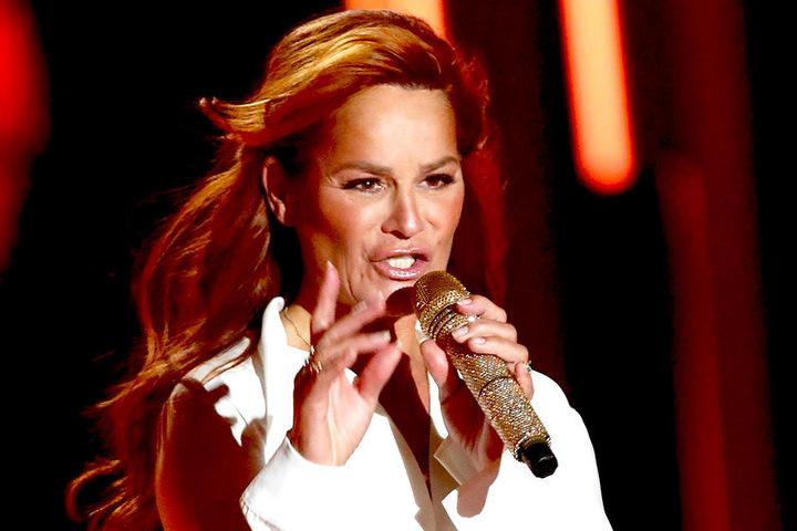 Das verspricht Frühlingsgefühle: Schlagerkönigin Andrea Berg (52) singt am 22. Juni im Rudolf-Harbig-Stadion.Foto: