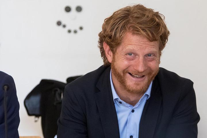 Baubürgermeister Michael Stötzer (45, Grüne) nimmt den Paternoster am Montag wieder in Betrieb.