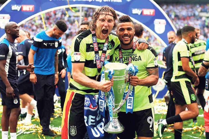 Zumindest ein überragendes Jahr hatte Michael Hefele in Huddersfield. Er stieg 2017 sensationell in die Premiere League auf. In dieser spielt er aber keine Rolle. Bisher reichte es nur zu zwei Einsätzen.