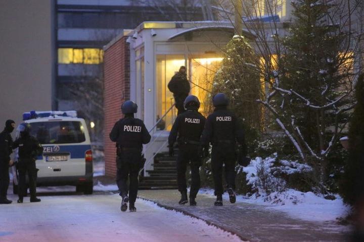 Die Staatsanwaltschaft Dresden hatte die Groß-Razzia veranlasst. Seit 6 Uhr am Mittwoch lief der Einsatz.
