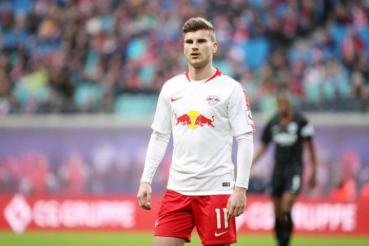 Timo Werner liegt seit Wochen ein unterschriftsreifes Angebot für eine Vertragsverlängerung bei RB Leipzig vor. Bis Sommer muss er sich spätestens pro oder contra RBL entschieden haben.