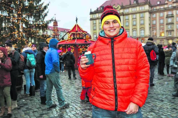 Student Pavel (22) ist sogar extra aus dem ostböhmischen Pardubice (etwa 250 Kilometer entfernt) angereist, um in Weihnachtsstimmung zu kommen.