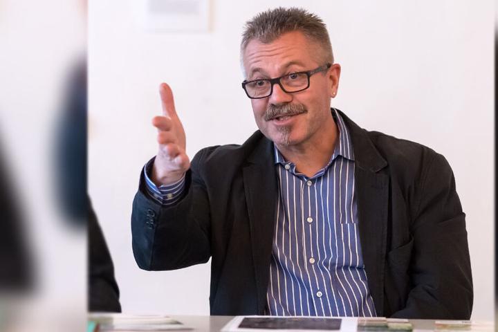 Ordnungsbürgermeister Miko Runkel (58, parteilos) erklärte die SPD-Anfrage ein zweites Mal für unzulässig.
