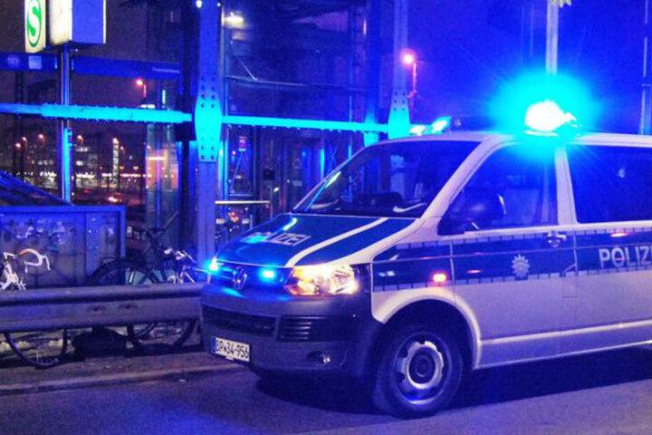 Die Polizei musste den Streit am Ostbahnhof auflösen und ermittelt jetzt unter anderem wegen Körperverletzung. (Symbolbild)