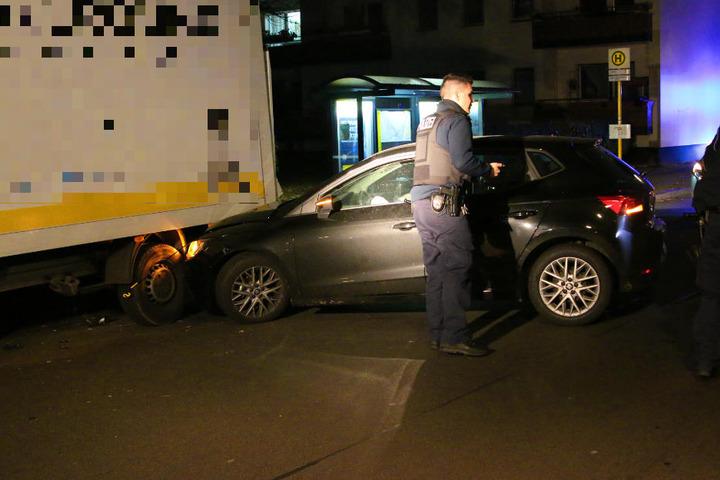 Der Mann soll Drogen genommen und die Kontrolle über seinen Wagen verloren haben.