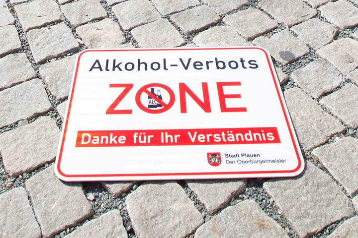 Keine vollen Flaschen mehr in Plauen: Polizei, Stadt, Händler und Verkehrsbetrieb sind sehr zufrieden mit dem Alkoholverbot.