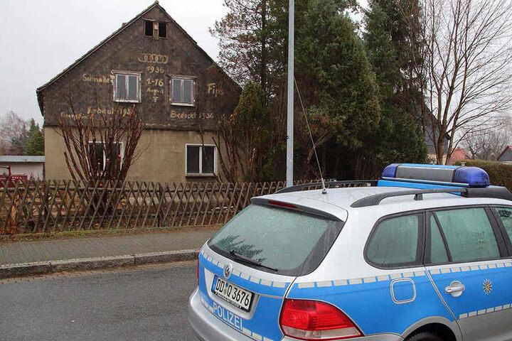 Diese alten Nazi-Parolen muss die Nachbarschaft nun vorerst beim Blick aus dem Garten erdulden.