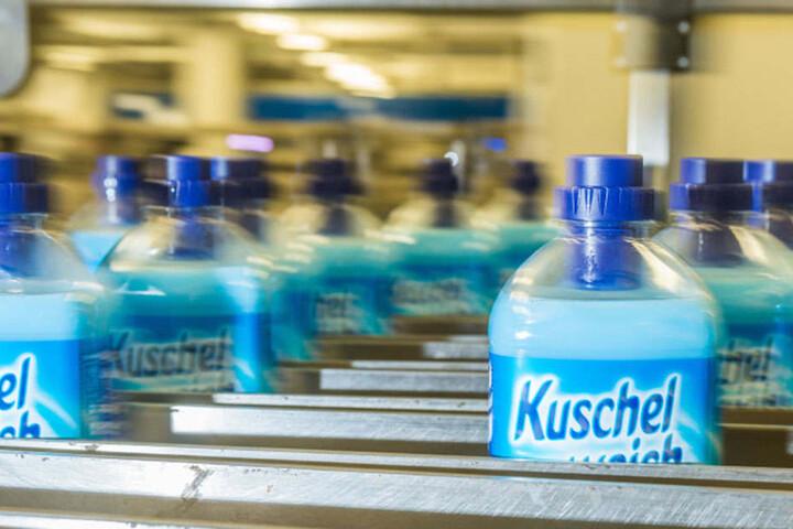 """Unter der etablierten Weichspüler-Marke """"Kuschelweich"""" will Fit-Chef Wolfgang Groß demnächst ein Wäsche-Parfüm auf den Markt bringen."""