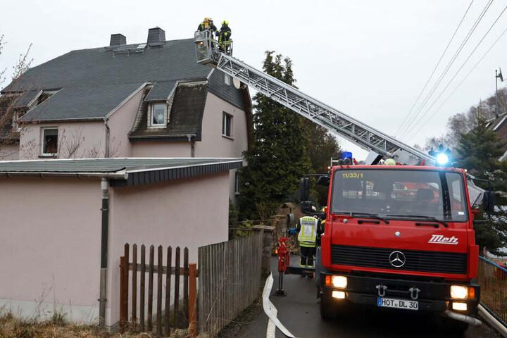 An einem Haus in Gersdorf brannte ein Schornstein.