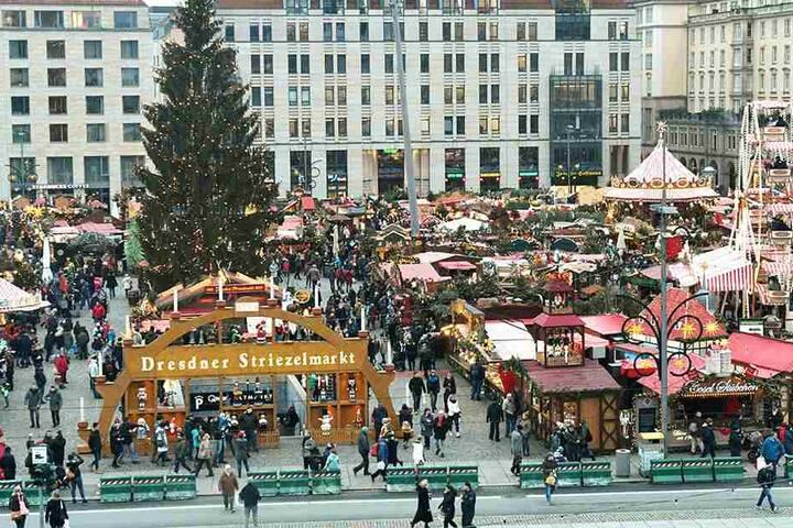 Wie immer ein Besuchermagnet: Weihnachtliche oder winterliche Motive sollen den Striezelmarkt 2018 schmücken.