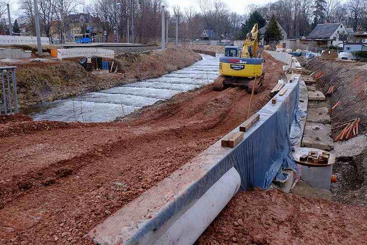 Die Bauarbeiten an der Zwönitz in Altchemnitz beseitigen Hochwasserschäden von 2013 und sollen neuen Überflutungen vorbeugen. Kosten: 1,25 Millionen Euro.